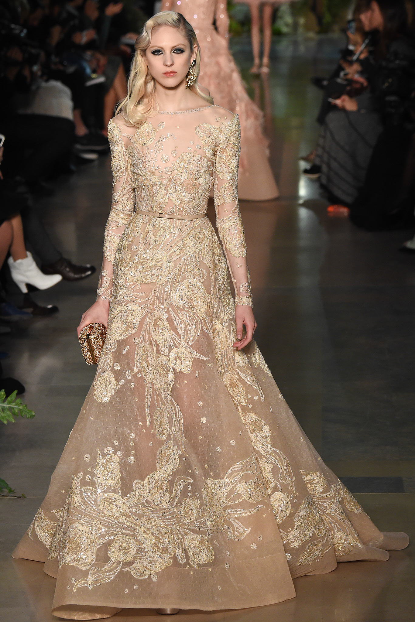Haute couture 2015 elie saab the modest bride for A haute couture